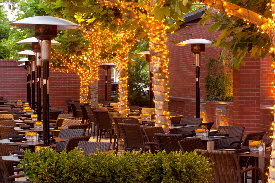 Piatti ristorante magical at night venue vixens for Piatti ristorante